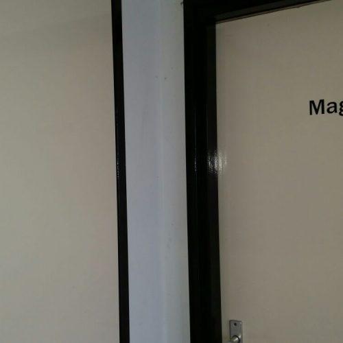 deursticker magazijn